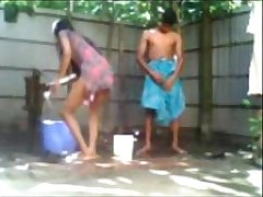 Indian Desi Couple Fucking While Taking Outdoor Bath
